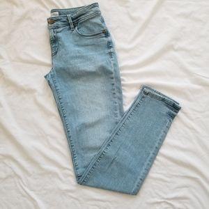 EUC Light-wash Jeans